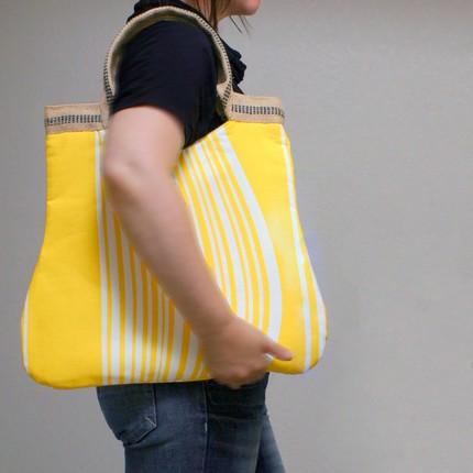 yellow stripes basic tote