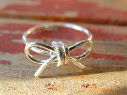 silver bow wire ring